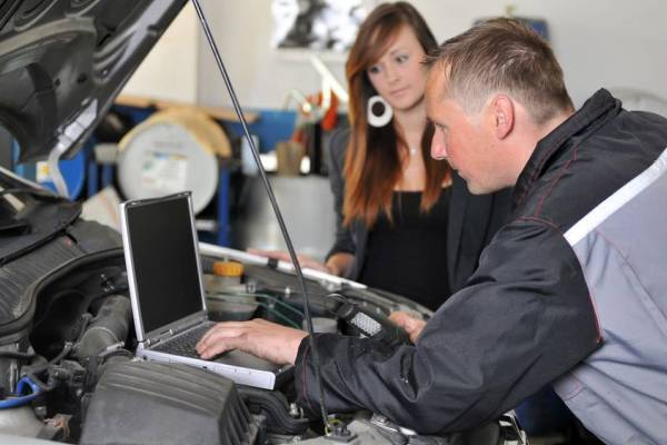 Fundamental Automotive Auto specialist Tasks